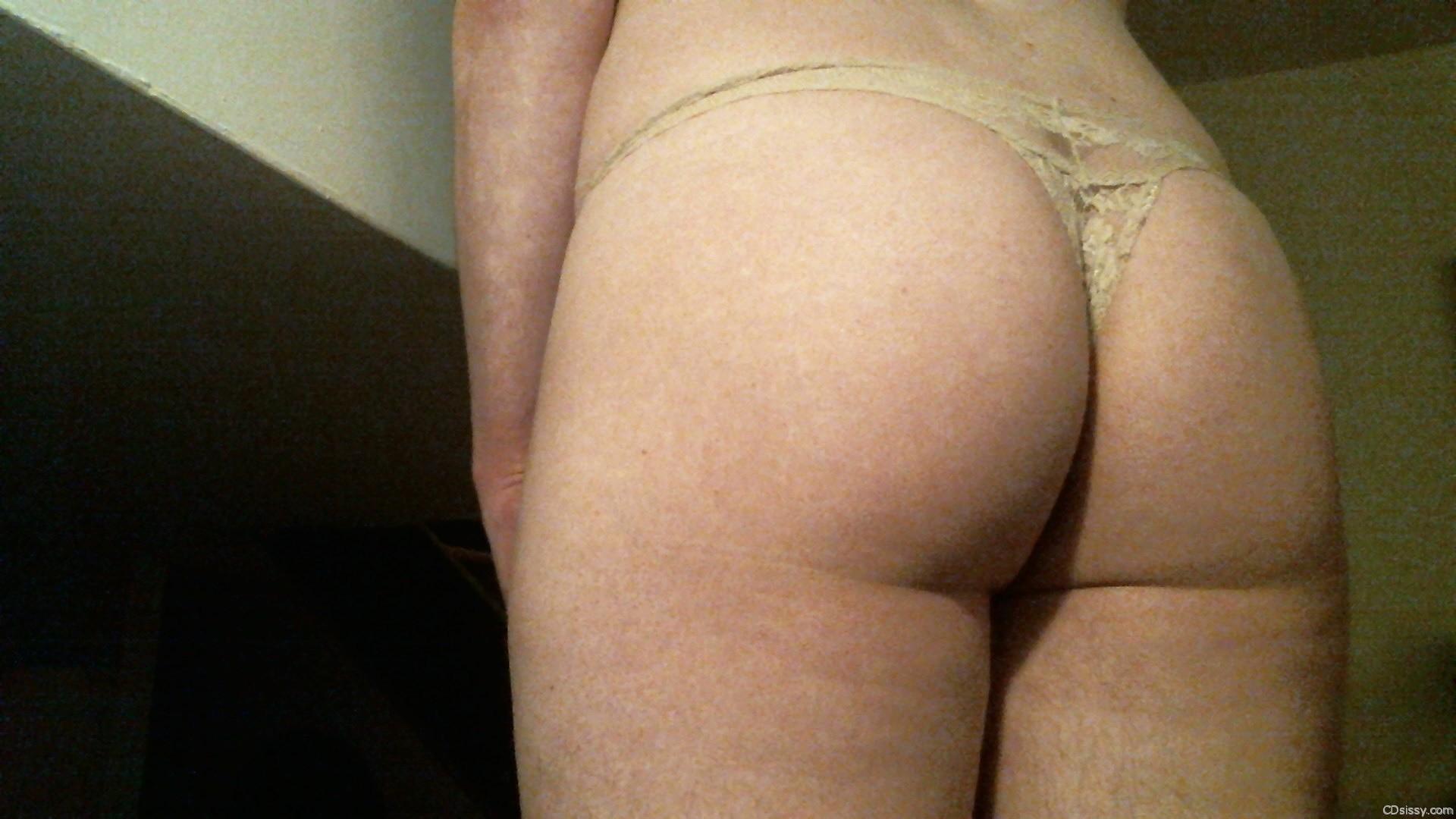 Hottie in bra and panties