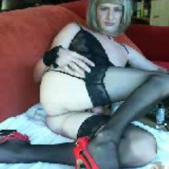 sassi-39-8211-hot-blonde-in-underwear
