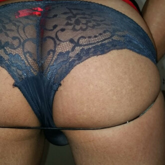tony-in-lace-panties