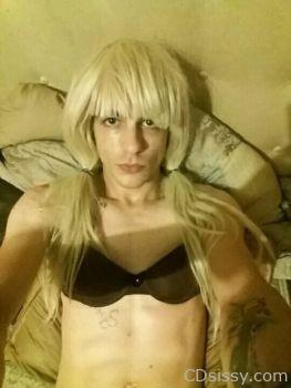 Michael as cute blonde