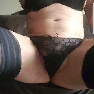 slut-in-black-lingerie