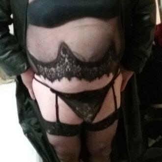 gurl-in-black-underwear