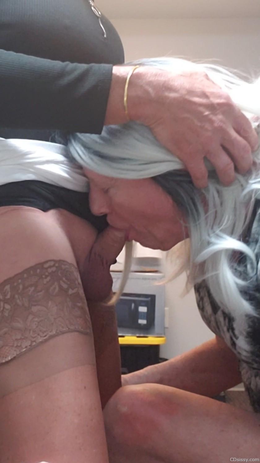 Enjoying sucking cock 006